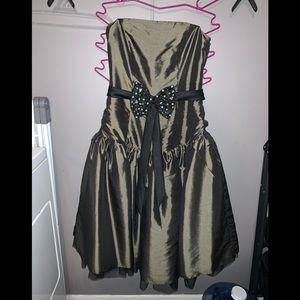 Womens holecoming dress